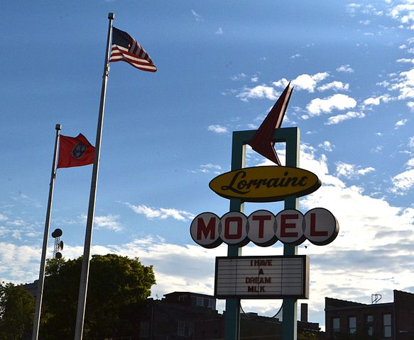 The historic Lorraine Motel sign at the National Civil Rights Museum Foto Delan2020
