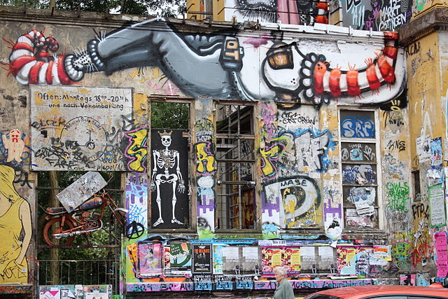 Rote Flora 2014 Graffiti links